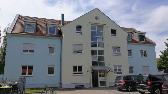 große 4-Zimmer-Dachgeschosswohnung in Geldersheim