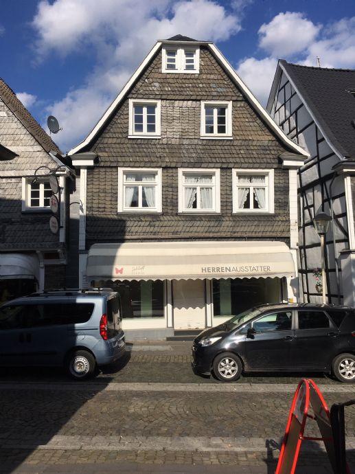 Kettwig Altstadt - historisches Fachwerkhaus mit Ladenlokal In Top-Lage