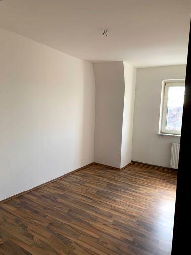 3,5-Zimmer-Wohnung mit 80 m² Wfl. in der 2. Etage, Bj. 1929