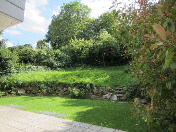 exklusive BEL ETAGÉ mit herrlichem Garten und Blick über Stuttgart