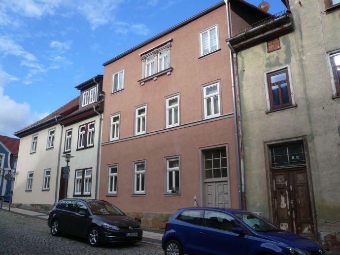 kleine, teilmöbilierte 2 R.- Wohnung