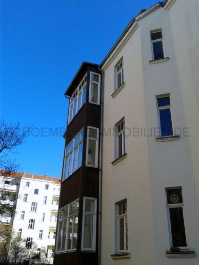 GOHLIS ... hübsche 2-Zimmer-Wohnung mit WINTERGARTEN, amerikan. EINBAUKÜCHE, LAMINAT & WANNENBAD
