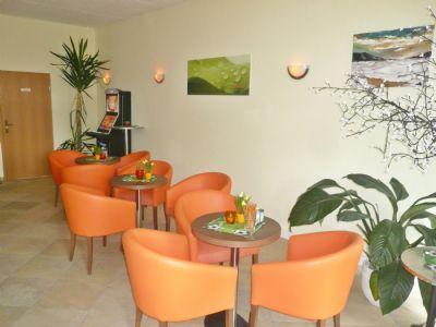 05-Cafe-Bar