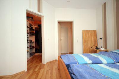 Das Schlafzimmer mit Ankleiderraum