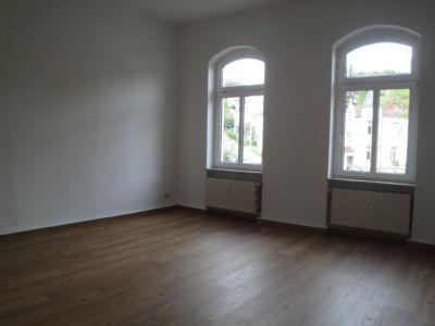 Zimmer mit Belag in Holzoptik