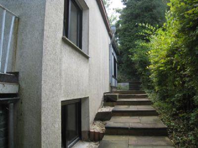bonn mehlem attraktiver freistehender bungalow bungalow. Black Bedroom Furniture Sets. Home Design Ideas