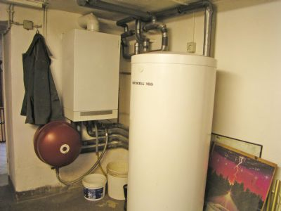 Gasbrennwertheizung, Warmwasserspeicher