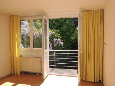 ... mit Balkon ...