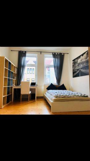 Schöne ruhige  Wohnung in einem historischen Altbau in der Ziegelstraße