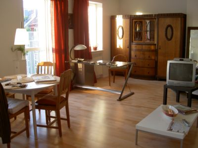 Apartment 50qm möbliert: Sonnendachterrasse, Garten, nette Hausgemeinschaft