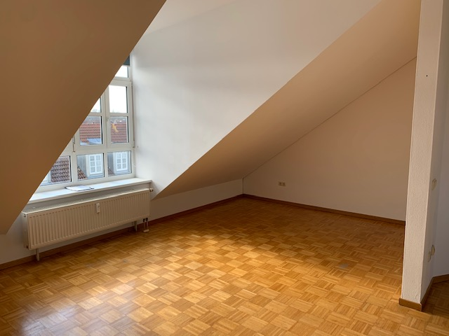 Helle 1-Zimmer-Wohnung mit Einbauküche in Ingolstadt-Süd/Ost zentrumsnah