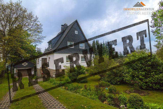 Gepflegtes Eigenheim für die ganze Familie | Garage | Stellplätze | Großer Garten | Blick zum Wald!