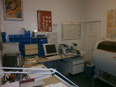 Arbeitsplatz Gravograph Fräse und Laser