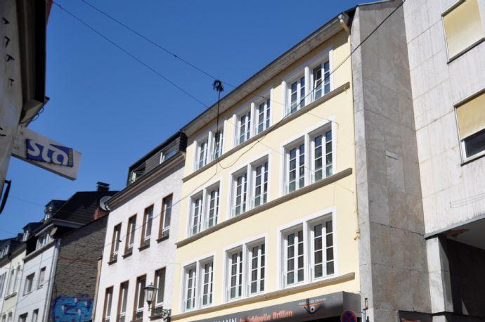 Innenstadt - 3 ZKB mit Einbauküche und großer Terrasse!