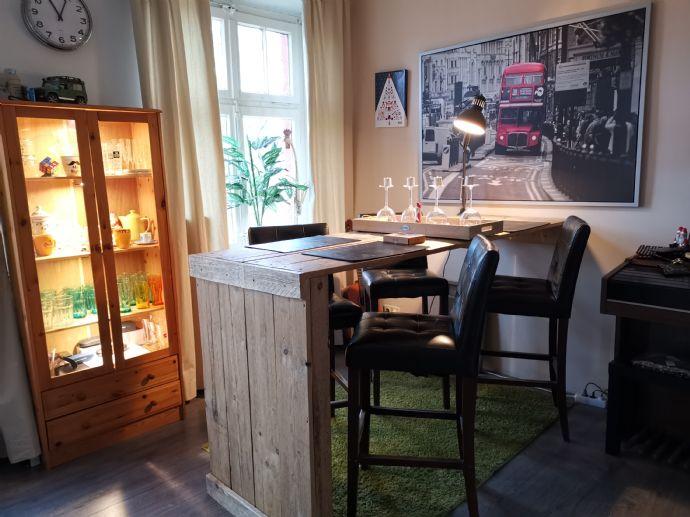 Sehr schöne 2 Zimmer Wohnung im 1. OG. ca. 60 qm Wohnfläche