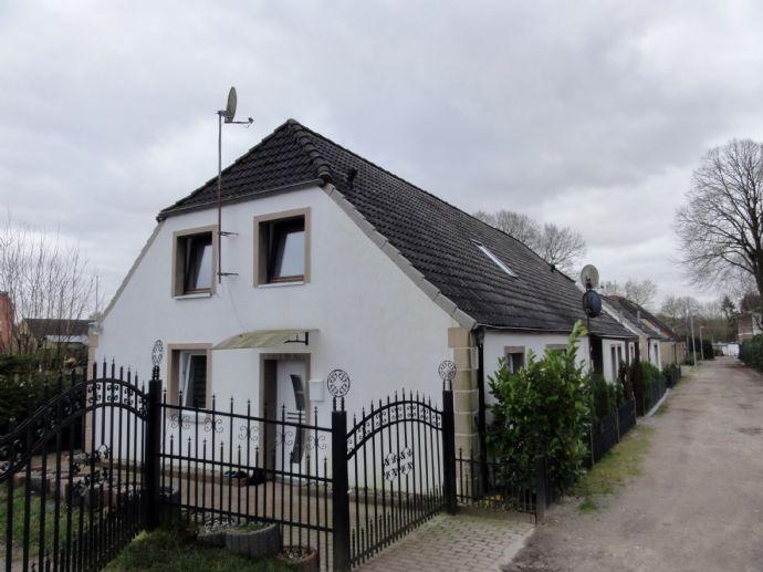 Seltene Gelegenheit - Großzügiges Zweifamilienhaus in Lägerdorf - Ideal für Kapitalanleger oder Eigennutzer