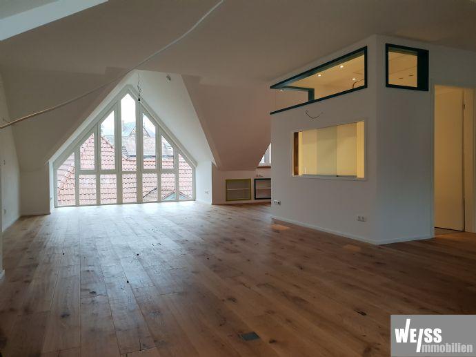 +++WOHNUNGSGLÜCK+++ Atelierwohnung umgeben von historischen Räumen und ruhiger Lage