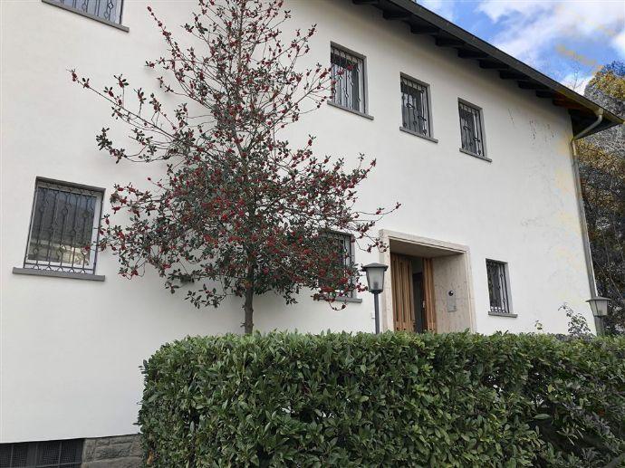 Einfamilien-Anwesen-Kronberg AAA Lage.