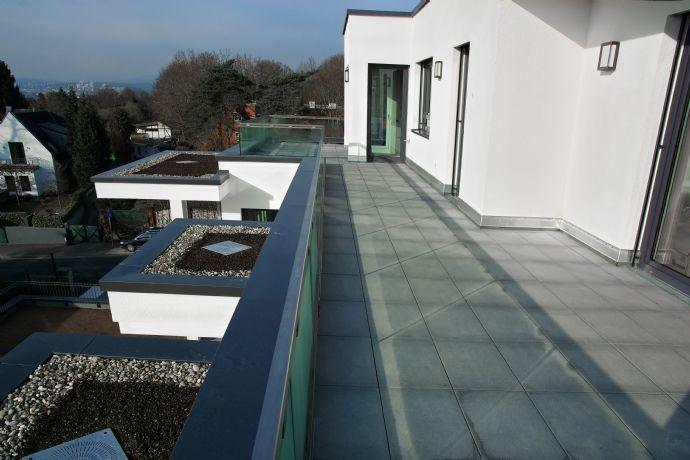 Allein die Dachterrasse ist ein Traum! - Schicke 3-Zimmer-Penthouse-Wohnung