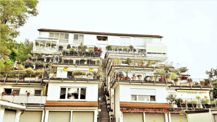 Wohnen und Leben im Terrassenhaus! Attraktive 4 Z-Wohnung mit  Top Schnitt! Weitblick von großer Traumterrasse! Top Lage von südlichem Stadtteil Mainz
