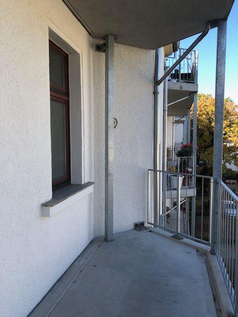 geräumige 2-Zimmer-Wohnung mit Wohnküche und großem Balkon - Gohlis Süd - Eisenacher Str. - ab sofort frei