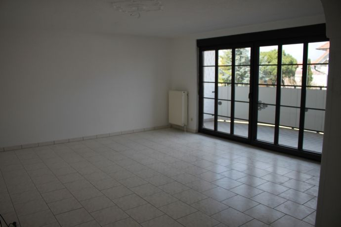 Solide 3-ZKB-OG-Wohnung für das Paar oder die kleine Familie im 3-Familienhaus
