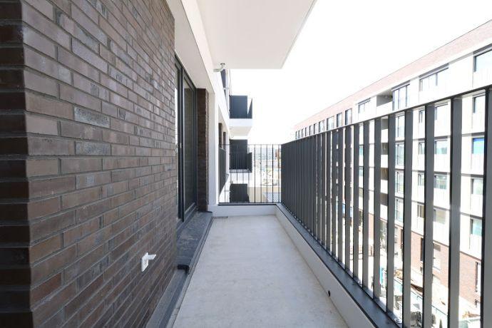 Zwei Balkone mit besten Aussichten. 3 Zi. auf 87 m² in bester Lage zum Erstbezug!