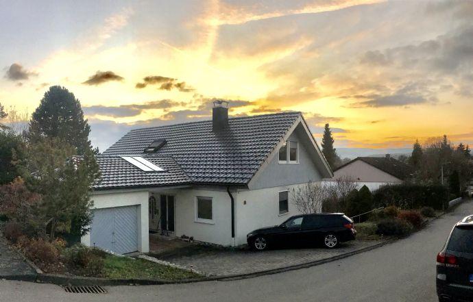 Sehr Gepflegtes 3-Familien Energiesparhaus mit Sauna, Aussicht & großem Garten in Hilzingen - Binningen