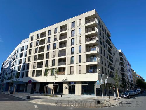 Neues Wohnareal! Moderne 4 Zimmer-Wohnung mit EBK und Terrasse