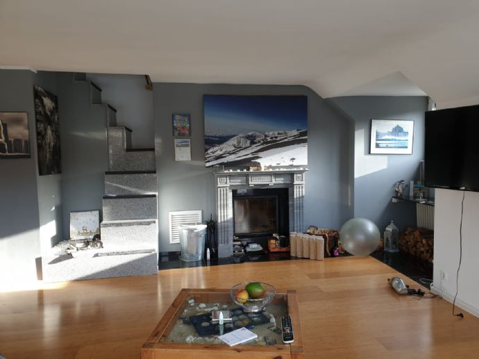 130qm Maisonette Wohnung mit Balkon und Terrasse