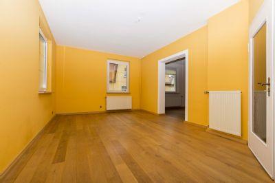 gro es zweifamilienhaus in sehr guter wohnlage von weimar zu vermieten stadthaus weimar 2auj54m. Black Bedroom Furniture Sets. Home Design Ideas