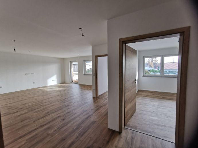 Neubau3,5-Zimmer-WohnungVierparteienhausüberdachte Terrasse