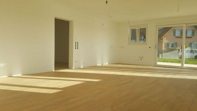Einziehen und wohlfühlen - Hochwertige 3- Zimmerwohnung in Steinbach!