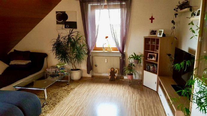 2,5 zimmer-dachwohnung in ansbach-ortsteil (2 km), ruhige südlage, Esszimmer dekoo