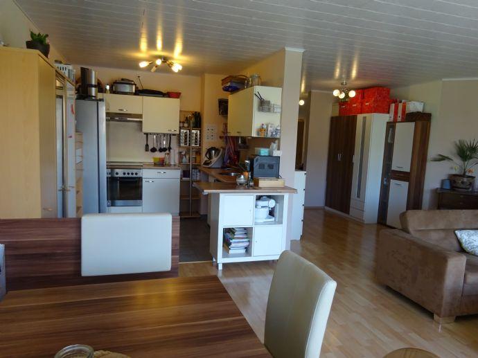 3 - Zimmerwohnung, groß, hell und geräumig inkl. Stellplatz