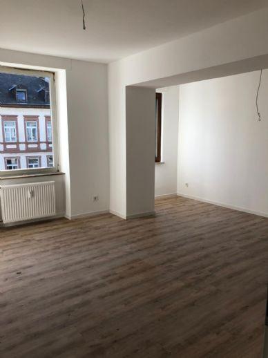 Kernsanierte 3 Zimmer Küche Bad Wohnung, Innenstadt Trier, WG geeignet