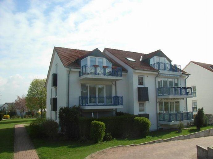 schöne, helle 3-Zimmer-Neubau-Wohnung mit Balkon in ruhiger Halbhöhenlage