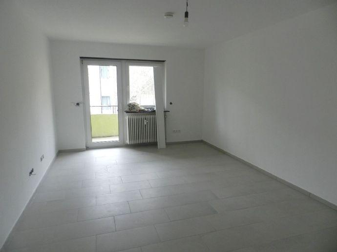 Aufwändig renovierte 2-Zimmerwohnung in LU-Süd