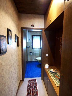 Garderobe - Gäste-WC. Wohnung