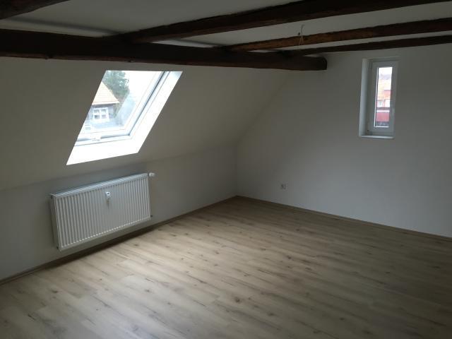 4 Zimmer DG Wohnung mit Balkon in Rosdorf