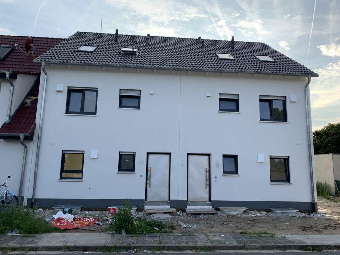 Neubau - Doppelhaushälfte - Provisionsfrei (Rückruf und Besichtigungstermine erst ab dem 9.9.2019)