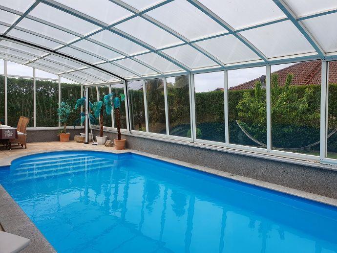Luxuriöses Einfamilienhaus mit Schwimmbad, nahe Bad Füssing und und Bad Griesbach, in ruhiger, sonniger und gepflegter Lage.