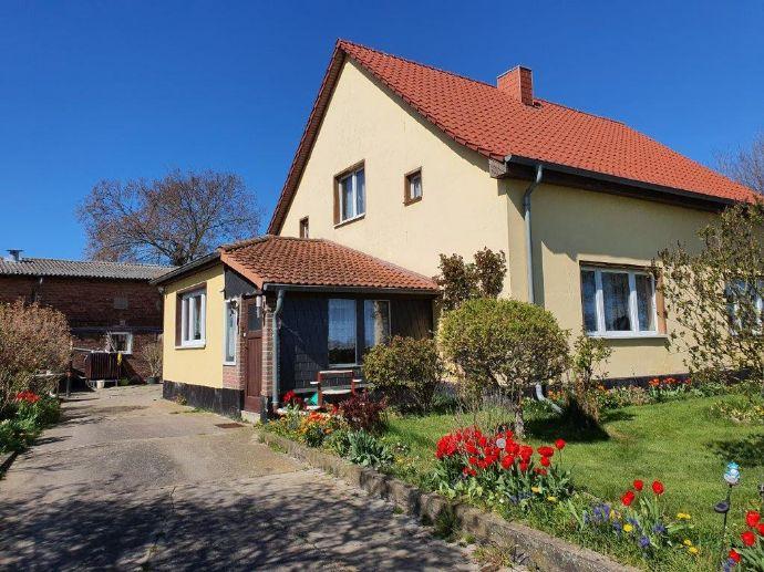 Einfamilienhaus mit großer Scheune in Zecherin am Usedomer Ufer des Peenestroms - nahe Stadt Usedom