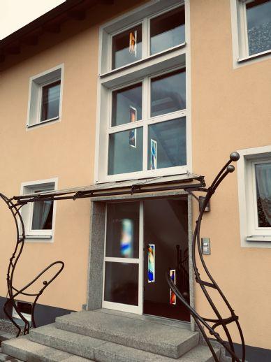 neue wunderschöne 3 Zi Wohnung, OG, Balkon, A+, in herrlicher ruhiger Lage