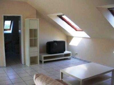 gro z giges helles 1 zimmer dachstudio auf 54 qm mit k che und badezimmer nahe linz am rhein. Black Bedroom Furniture Sets. Home Design Ideas