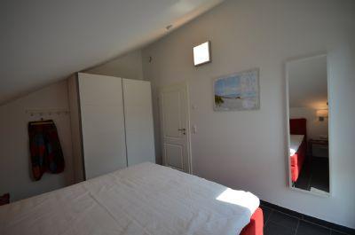 18 Schlafzimmer Nr. 3 mit Schiebetürenschrank- Gan