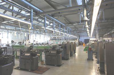 Produktion oder Montagehalle oder Lagerhalle