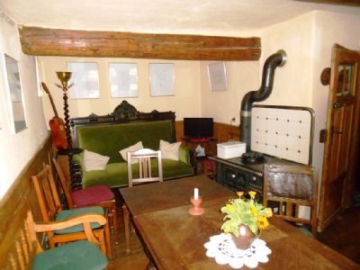 Wohnzimmer mit Eichendielenboden im EG