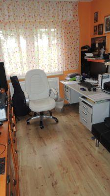 9 Arbeitszimmer