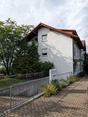 Attraktive 4-Zimmer-DG-Wohnung mit Balkon in Rodgau-Jügesheim